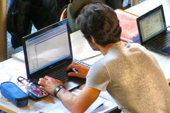 Attacco hacker in mezzo mondo, come evitare il contagio