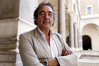 Sperimentazioni illecite su pazienti ignari e 'business' Ecm medici, Fanelli coinvolto in indagine Nas