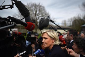 Impossibile lavorare con loro, Marine Le Pen chiude al M5S