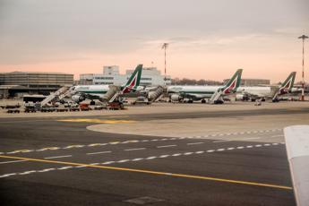 Cancellati 130 voli Alitalia