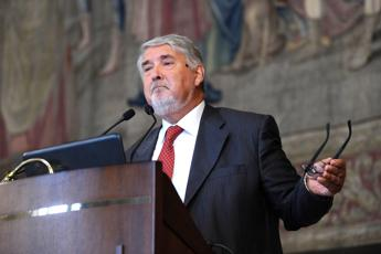 Articolo 18, Poletti fa autocritica: Ritardo su dialogo con sindacati