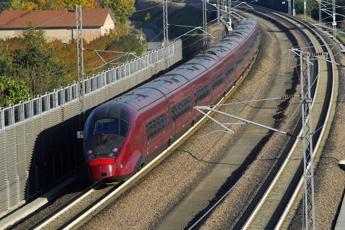 Investimento mortale. Rallentamenti e treni sospesi sulla linea Roma-Formia-Napoli