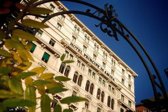 Confindustria Alberghi: +3% presenze a luglio, coste meta preferita