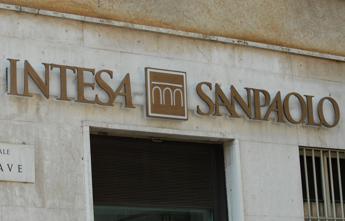 Intesa Sanpaolo, 9mila lavoratori in uscita