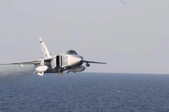Jet russo intercetta caccia americano: nervi tesi sul Baltico