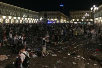 Torino, sale a 1527 il numero dei feriti, 3 in codice rosso