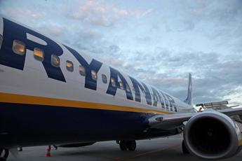 Ryanair taglia costi per i bagagli