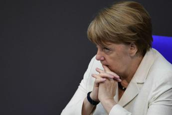 Merkel opposes Kurz proposal to ditch migrant quotas