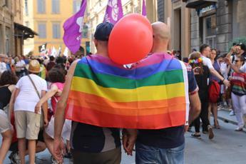 Coppia gay respinta da locale