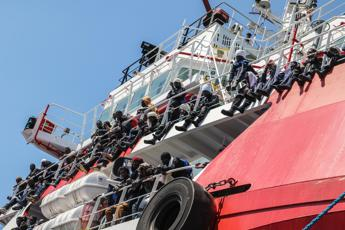 Migranti, gip dissequestra Open Arms
