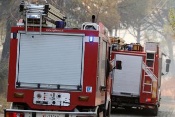 Incendio in fabbrica: feriti 3 operai