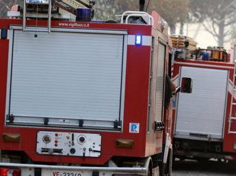 'Basso' in fiamme a Napoli, morta una donna