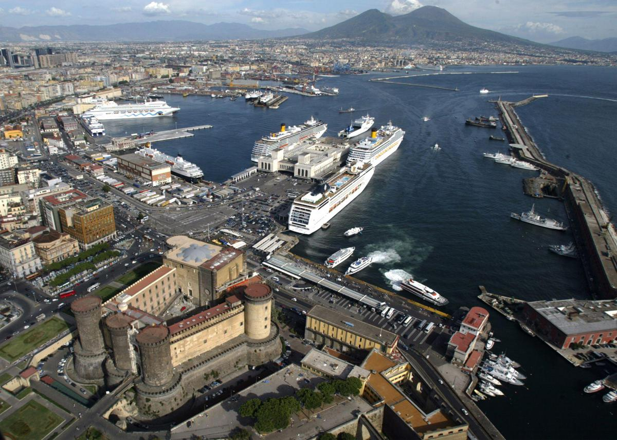Assocostieri fa rotta sul Gnl, si 'salpa' da Napoli