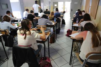 Test del capello nelle scuole lombarde per 'scovare' droga e alcol