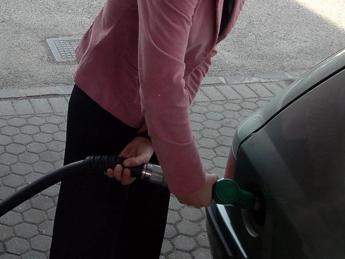 Benzina e diesel, ritocco al rialzo