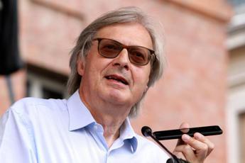 Sgarbi: Franceschini è il più leghista del governo
