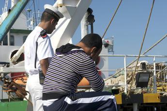 Peschereccio di Mazara del Vallo minacciato da motovedetta tunisina