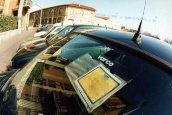 Rc auto, ok polizza 'portabile' per coppie di fatto