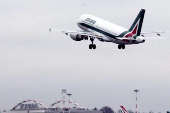 Alitalia, tre offerte sul piatto