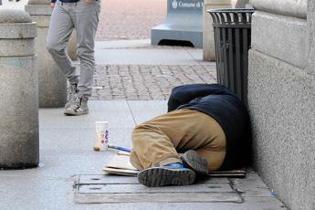 'Povera Italia', raddoppiano le persone in difficoltà