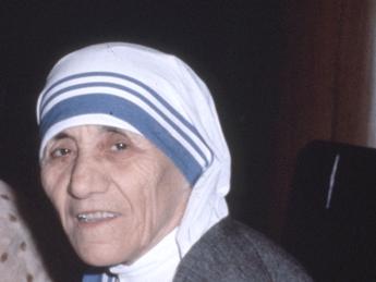 Madre Teresa nell'84 escogitò piano per portare immagini della Madonna al Cremlino