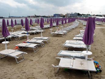 'Arancia meccanica' in spiaggia a Rimini, nel 2015 tre casi in pochi giorni