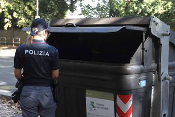 Orrore a Roma, fatta a pezzi e messa nei cassonetti: confessa il fratello