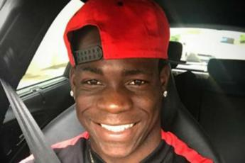 A 200 all'ora in autostrada: polizia ferma Balotelli