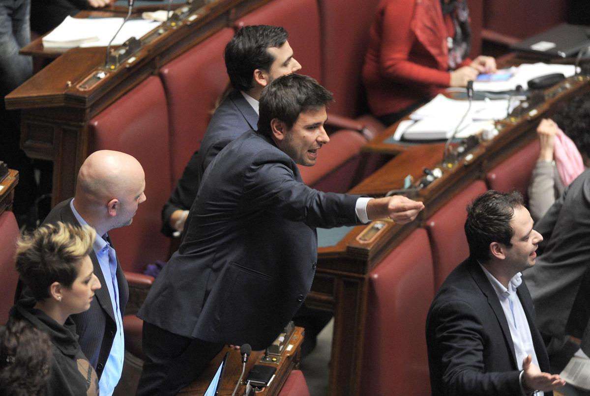 Vitalizi, scintille alla Camera: Boldrini espelle Di Battista