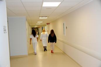 Curare insieme corpo e mente dimezza i costi della malattia