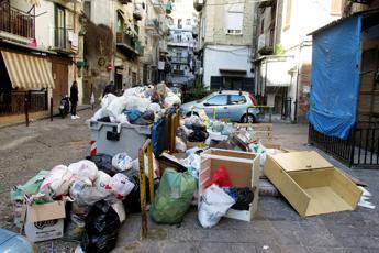 Salasso rifiuti, paghiamo 9 mld l'anno