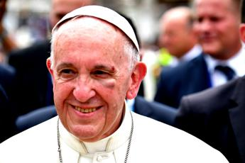 Pope urges peace, help for world's wretched
