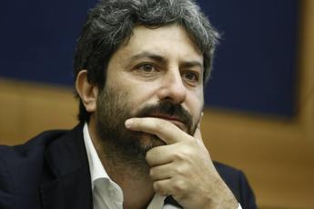 Fico contro Vespa: Fa l'artista, non si occupi di campagna elettorale