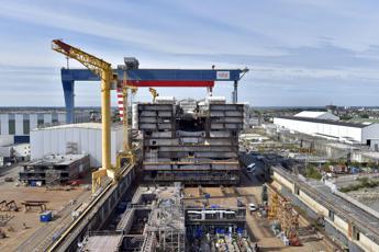 Fincantieri, Pinotti: Intesa con Stx va estesa ai tedeschi