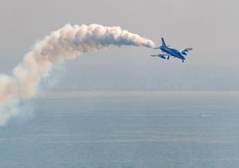 Terracina, caccia militare precipita in mare
