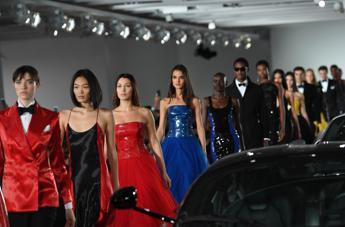 Donne e motori, Ralph Lauren apre il suo garage alla moda