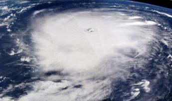 Nespoli segue Irma dallo spazio: Mettetevi al sicuro laggiù