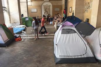 Favelas Roma: migranti e senza casa a S.Apostoli