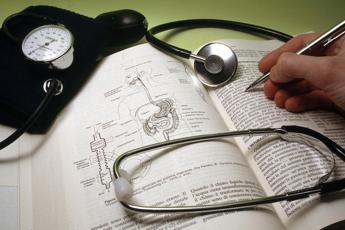 Caldo e pressione alta, terapie più morbide per gli anziani