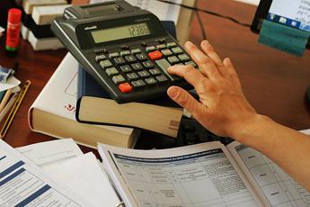 Italiani e tasse, crescono le entrate per lo Stato