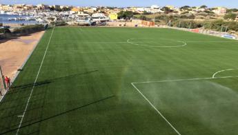 Lotti, Tavecchio e Lega B inaugurano nuovo campo di Lampedusa