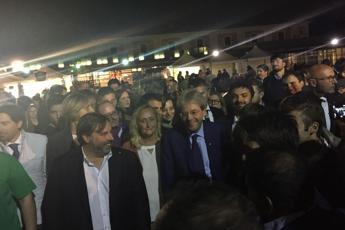 Roma, Gentiloni fra gli stand della Festa dell'Unità