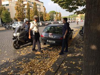 Roma, falso allarme per auto sospetta