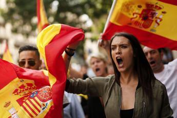 Catalogna, la grande fuga dei soldi
