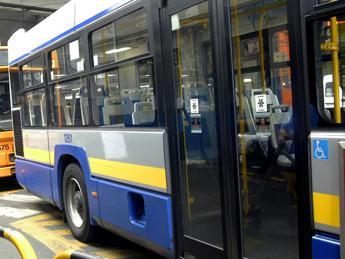 Trasporti, stangata da 110 euro a famiglia