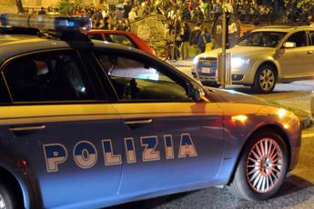 Stuprata nel vagone, la denuncia di una 17enne bolognese