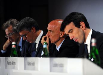 Minniti chiede patto alla politica: No a voti mafiosi
