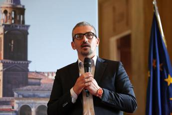Favori sessuali in cambio di fondi, indagato sindaco di Mantova