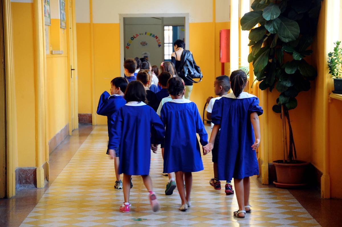 Scuola toglie statua Madonna: 'Non si prega a merenda'