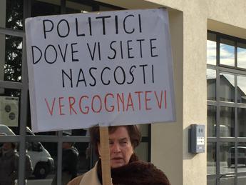 Banche, Renzi ai contestatori: Io ho fatto emergere schifezze